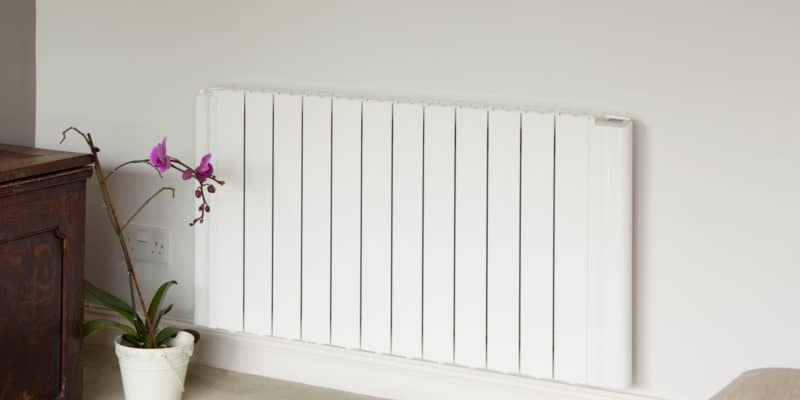 radiateur lectrique vs panneau chauffant lectrique. Black Bedroom Furniture Sets. Home Design Ideas